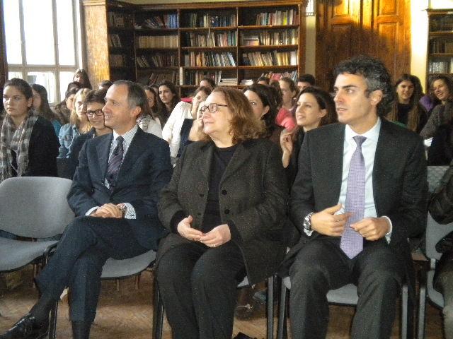 г-дин Армандо Варикио , Сира Миори и Андреа Арналдо
